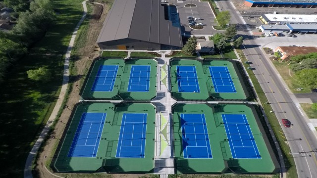 Two Renner Tennis Facilities Honored for Excellence